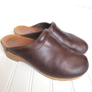 Dansko Sanita Brown mules clogs 40